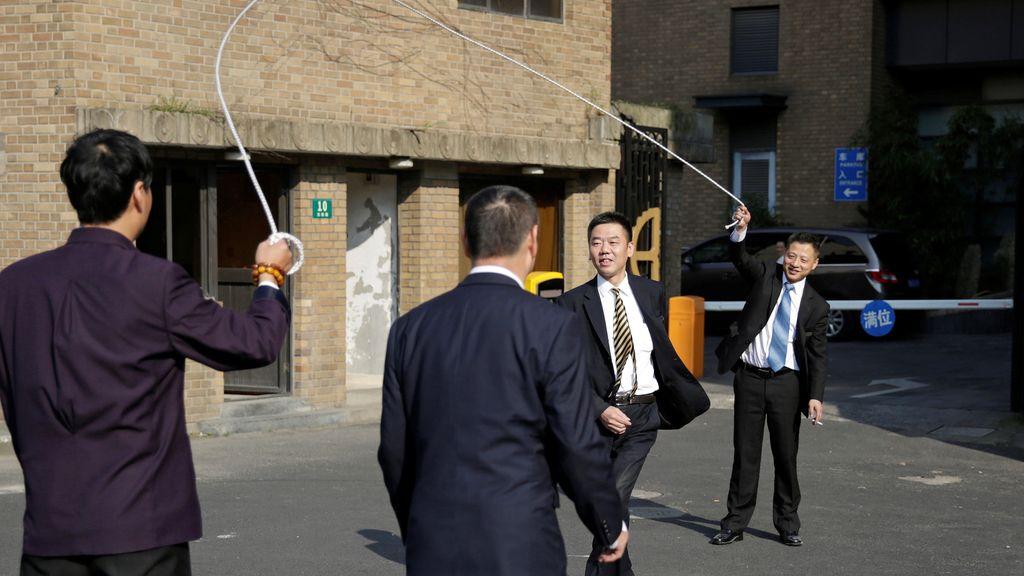 Salto a la comba en una calle China