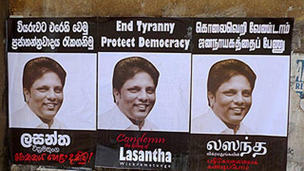Unas 10.000 personas acudieron en Colombo (Sri Lanka) al funeral del periodista, que se celebró entre numerosos actos de condena. Foto: Indi/Flickr