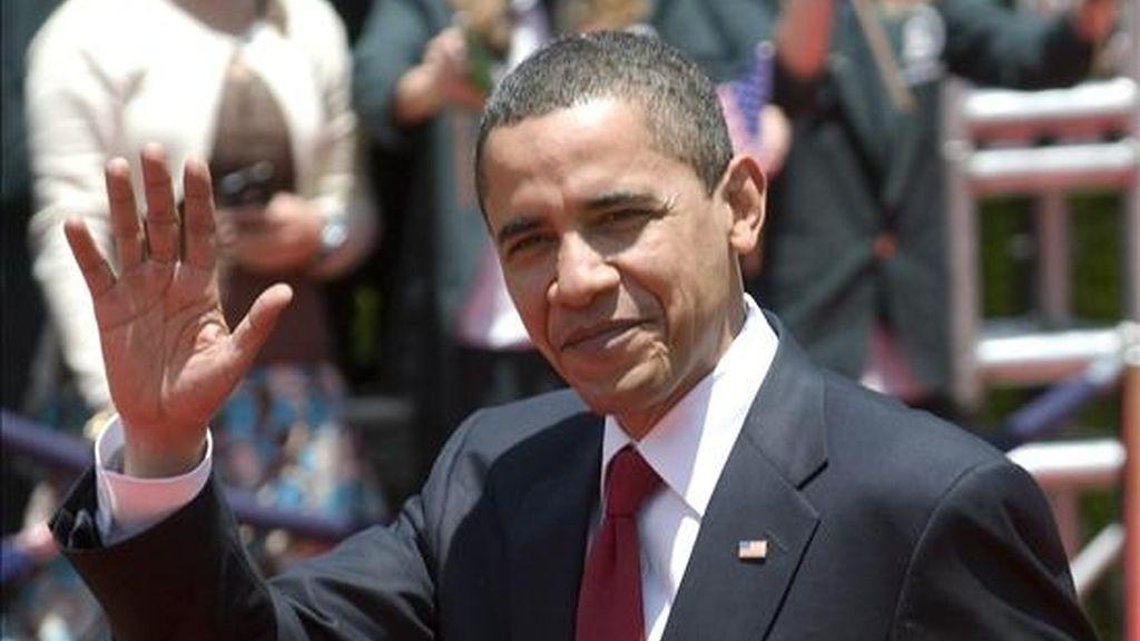 El presidente de Estados Unidos, Barack Obama, llega este viernes a Puerto España para participar en una V Cumbre de las Américas, que amenaza con desarrollarse a la sombra de Cuba, el país ausente. EFE/Archivo
