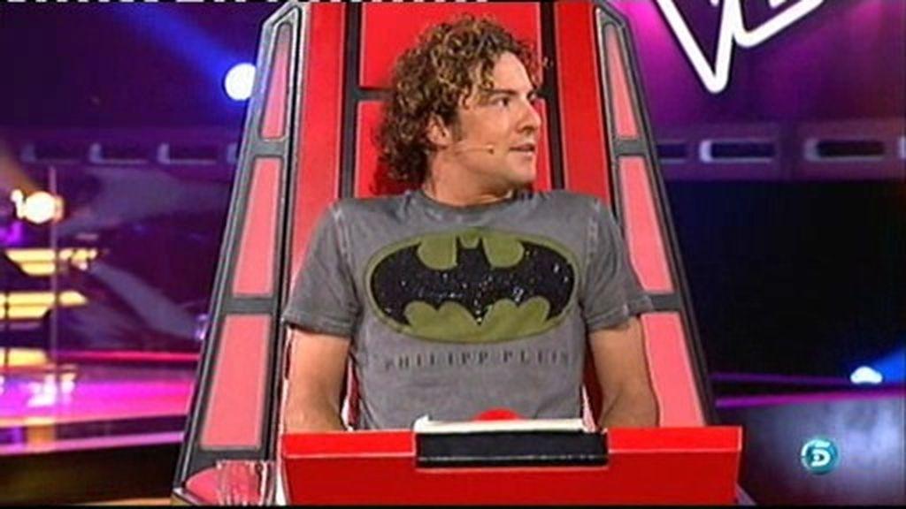 La comentadísima camiseta de Bisbal con el emblema de 'Batman'