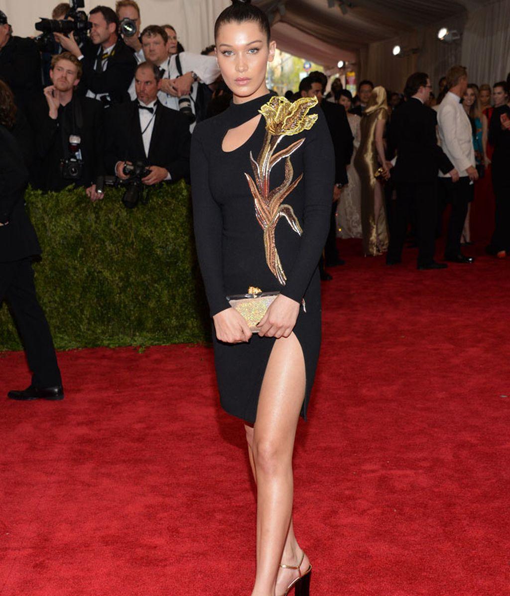 Bella Hadid vestida de Topshop