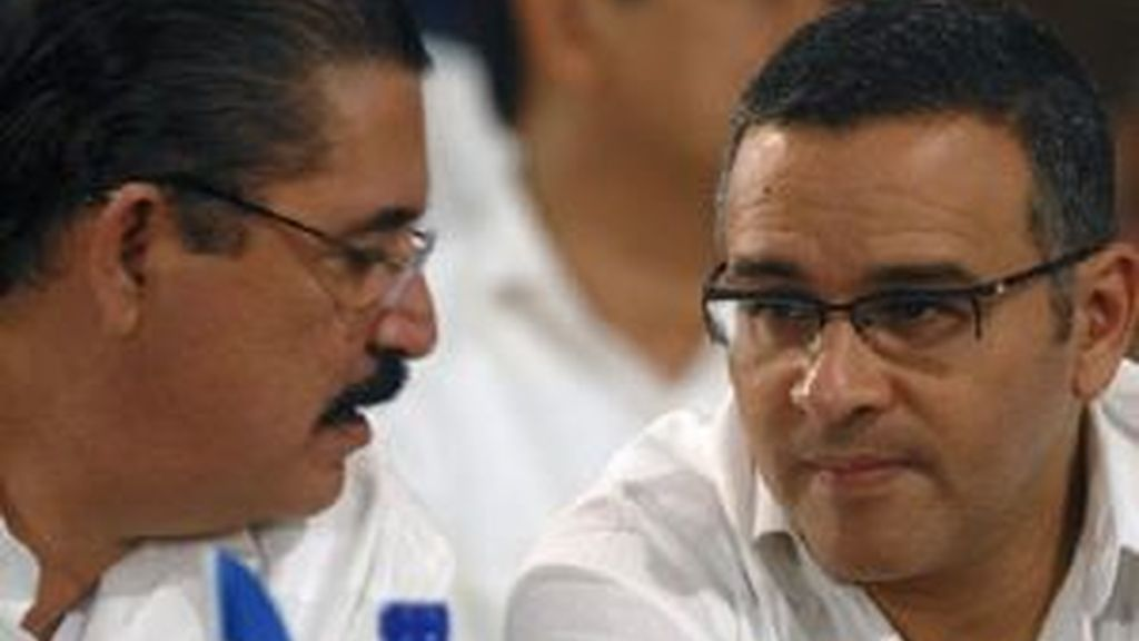 Manuel Zelaya ha anunciado que regresa con el respaldeo de al comunidad internacional. Vídeo: Informativos Telecinco