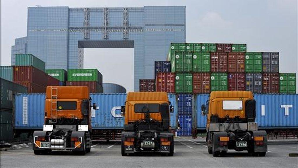 Vista general de un depósito de contenedores en Tokio (Japón), el pasado 26 de julio. EFE/Archivo