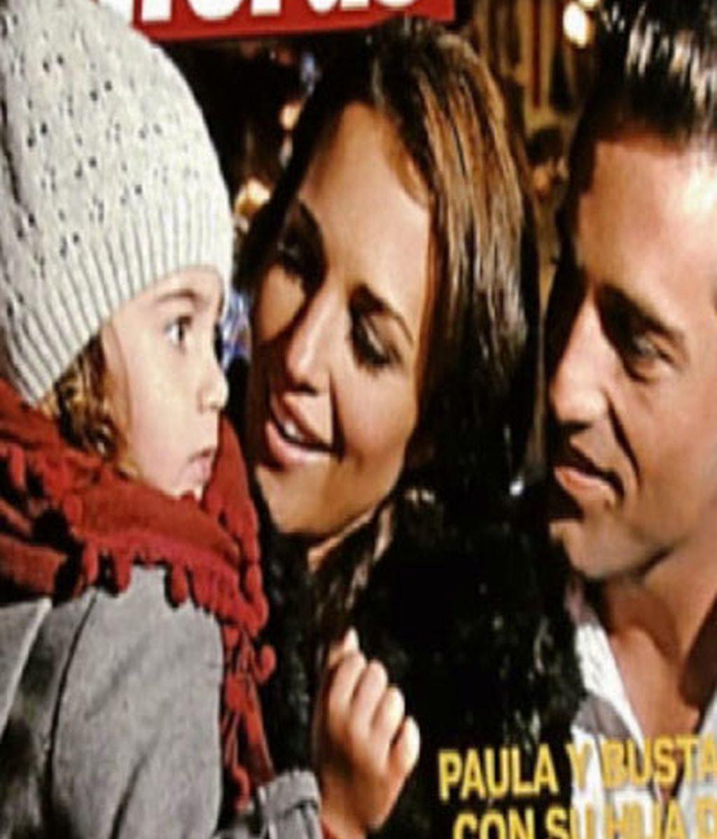 David Bustamante y Paula Echevarría en Disney con su hija Daniela
