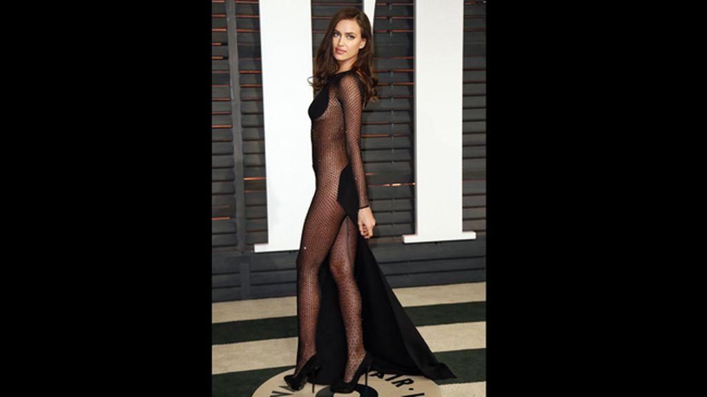 Irina Shayk, con un atrevidísimo vestido con transparencias