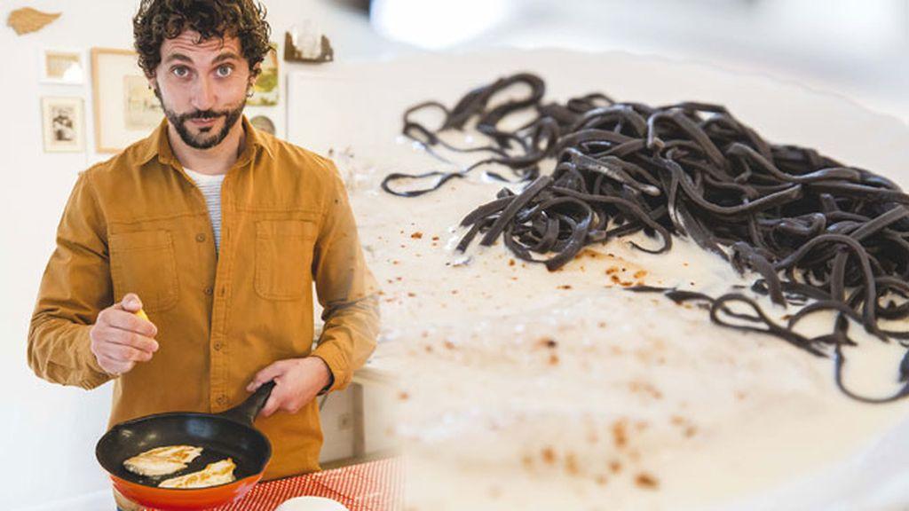 Paco León no se complica: su plato favorito son los filetes de pollo al limón
