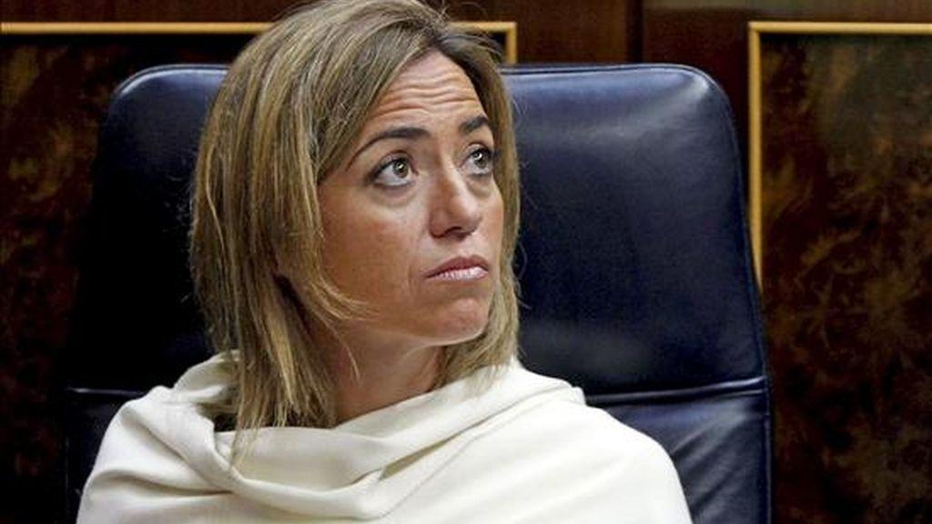 La ministra de Defensa, Carme Chacón, durante la sesión de control al Gobierno que se celebra en el Congreso de los Diputados. EFE