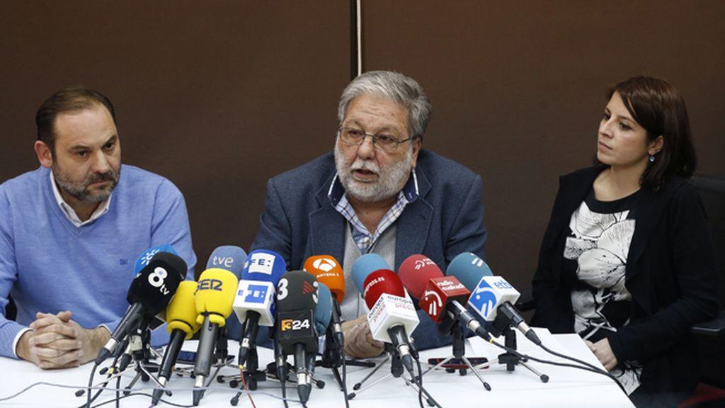 """Los 'sanchistas' piden a Pedro Sánchez que lidere """"una alternativa"""" en el PSOE"""