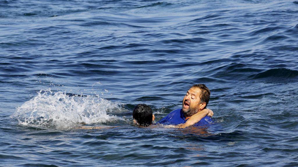 El valor de la solidaridad de los griegos en Lesbos