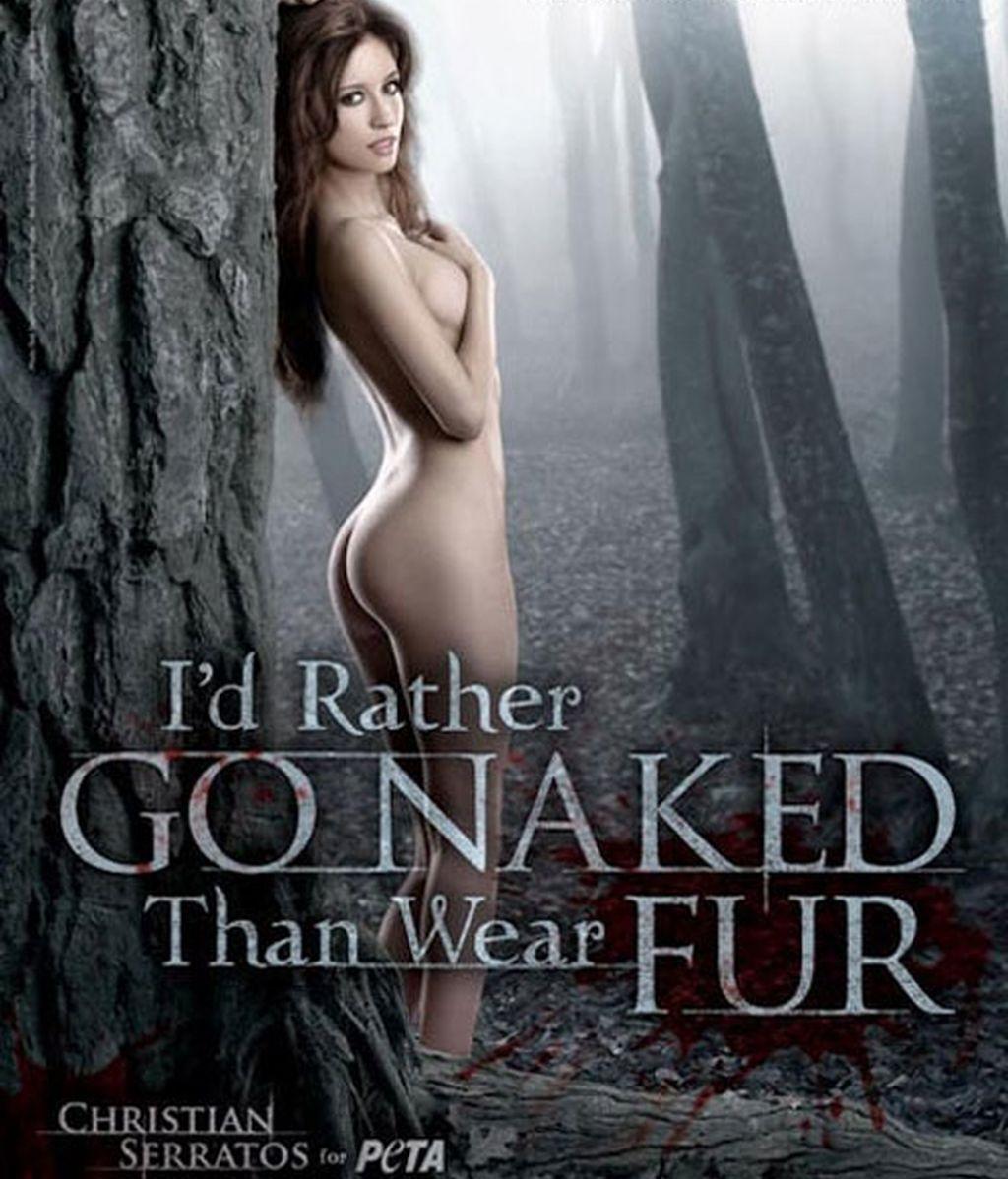 La actriz quiere con esta imagen remover las conciencias de quienes matan a los animales para poder lucir después sus pieles. Foto: PETA.