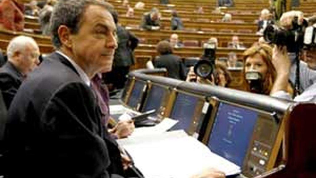 Acusaciones entre el PSOE y el PP en la sesión de control. Vídeo:Informativos Telecinco