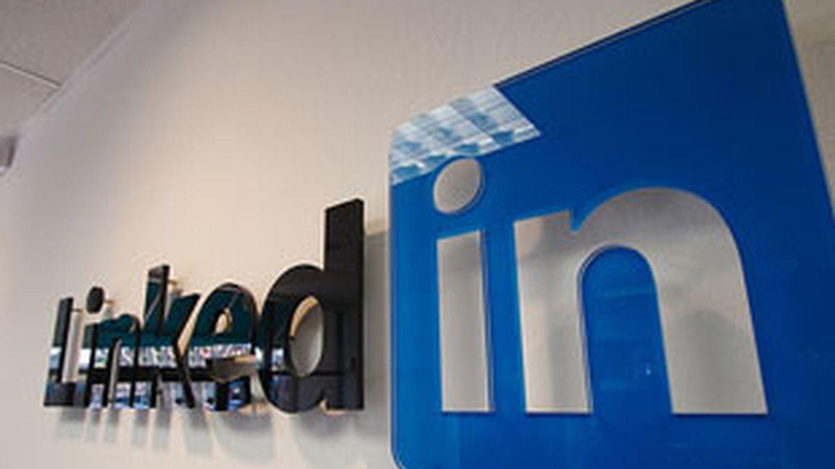 LinkedIn llega a un acuerdo con Twitter para sincronizar los mensajes.