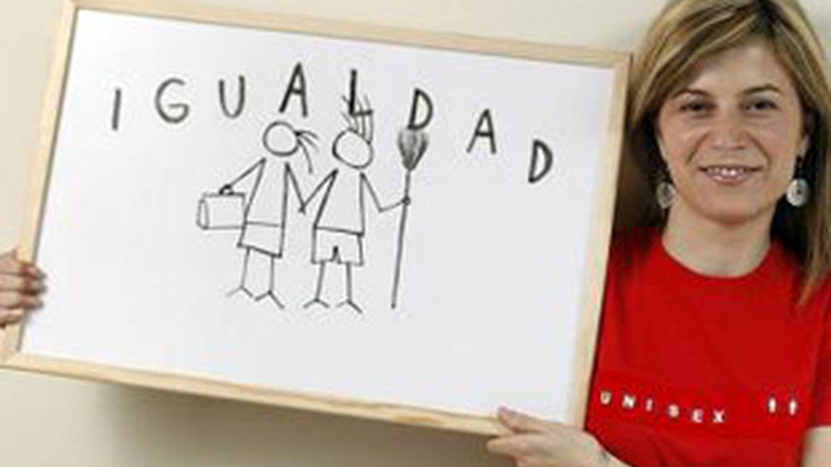 Aído, contra los cuentos sexistas. Vídeo: Informativos Telecinco.