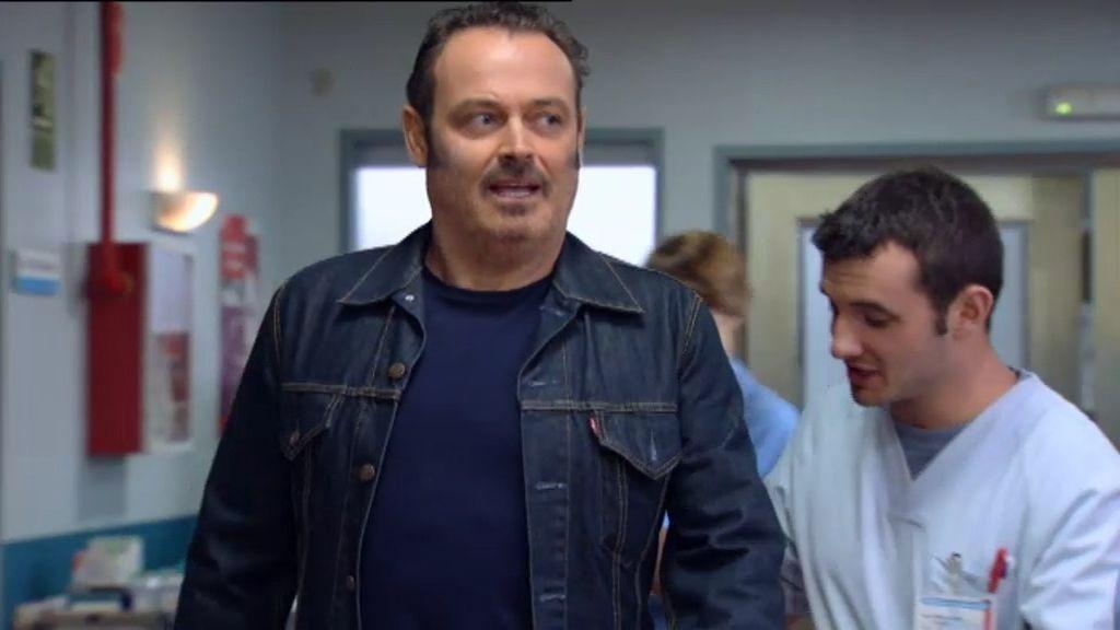 El médico intenta superar la separación de Claudia