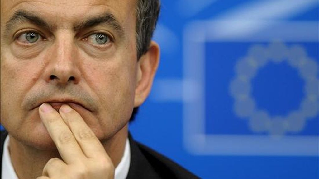 El presidente del gobierno, José Luis Rodríguez Zapatero, ofrece una rueda de prensa tras su intervención ayer en el pleno del Parlamento Europeo en Estrasburgo (Francia). EFE