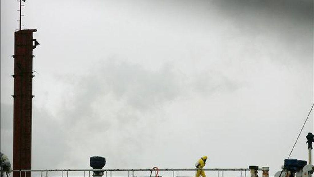 Un buque cargado con asbesto. EFE/Archivo