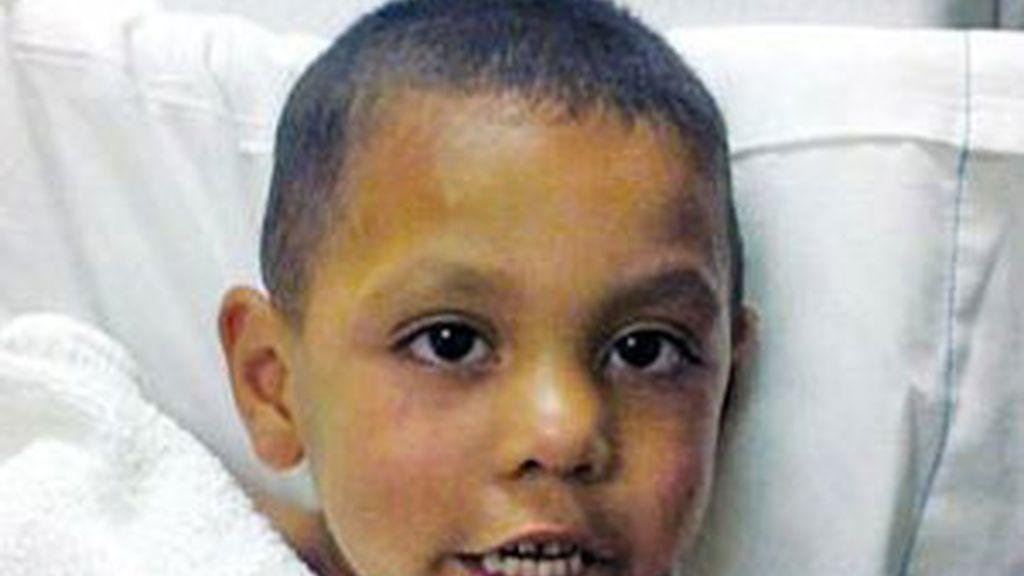 El pequeño de cuatro años, en el hospital. Foto: AP.