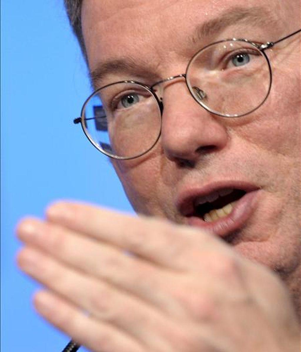 """""""Google ha tenido un segundo trimestre fuerte"""", dijo Eric Schmidt, consejero delegado de Google, que atribuyó el aumento del beneficio a """"un sólido crecimiento"""" en sus principales áreas de negocio. EFE/Archivo"""