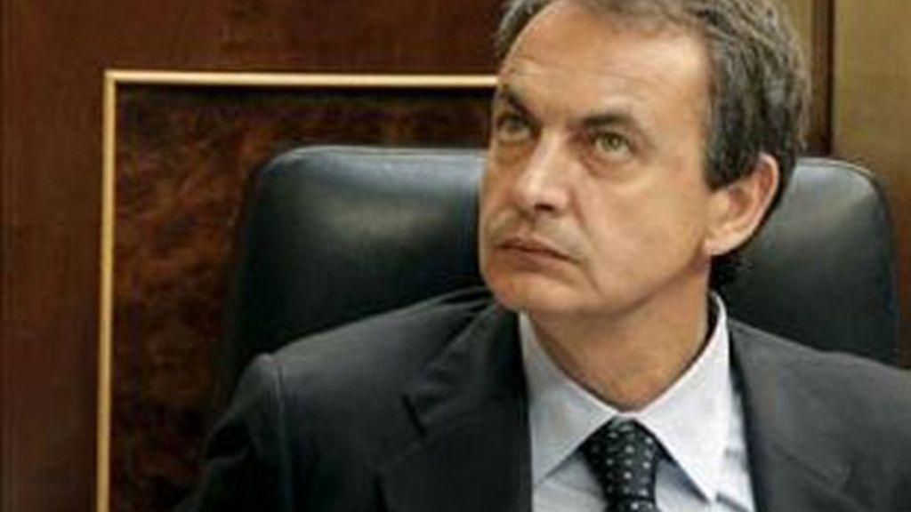 El presidente del Gobierno, José Luis Rodríguez Zapatero, durante la sesión de control al Ejecutivo. Foto: EFE