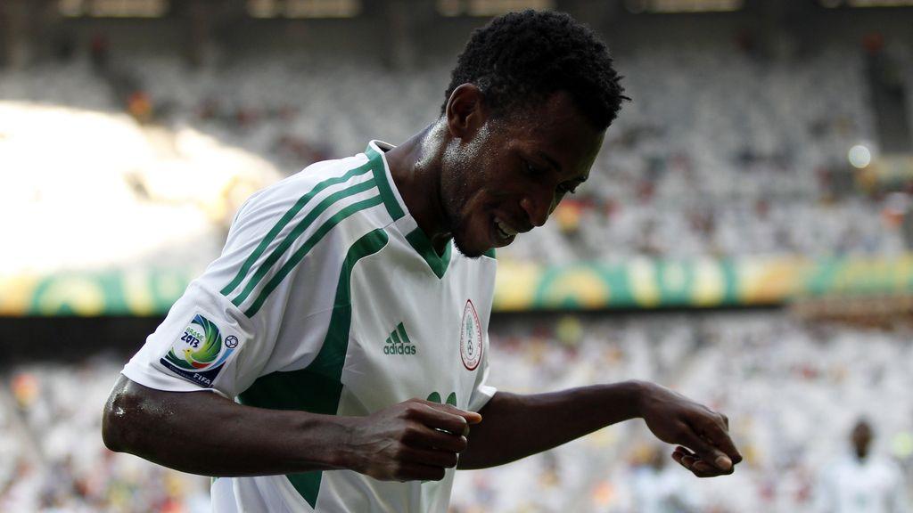 Gol: Tahití 0-3 Nigeria (min.26)