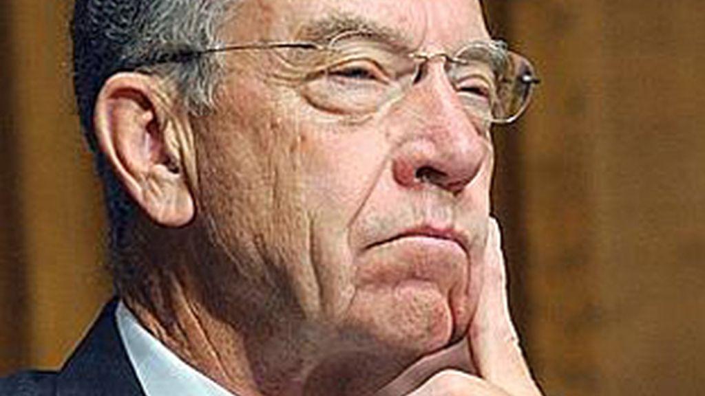 El senador Chuck Grassley pidió la elaboración de este informe. Foto: AP.