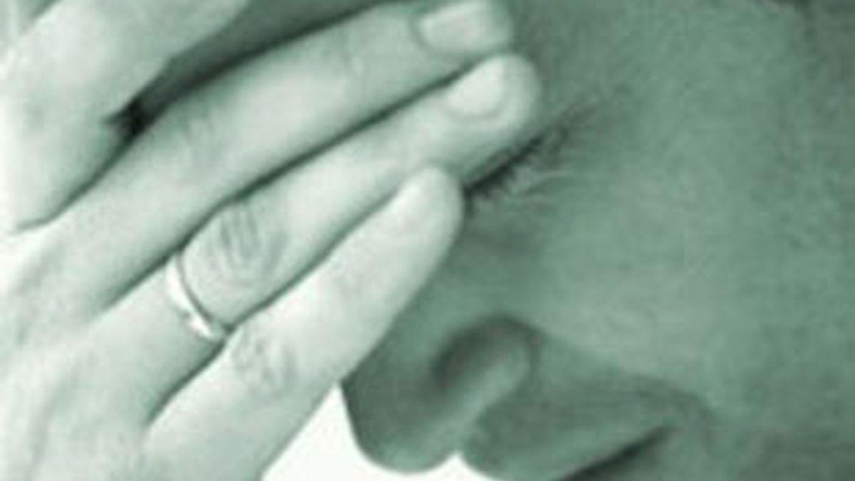 Se queda dormido al escuchar a un hombre que quería suicidarse.