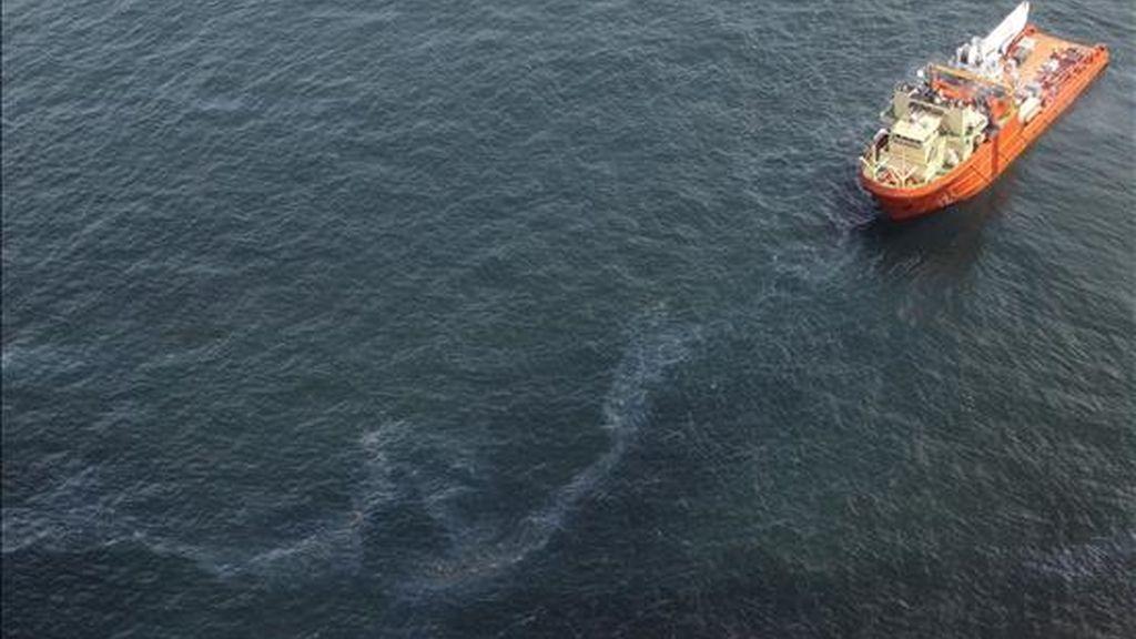 Según los últimos datos oficiales, más de 150.000 kilómetros cuadrados de las aguas del Golfo de México están cerrados a la pesca debido a la contaminación desencadenada por el derrame. EFE/Archivo