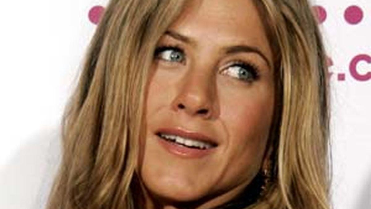 Jennifer se hace la encontradiza con Brad Pitt. Foto: AP