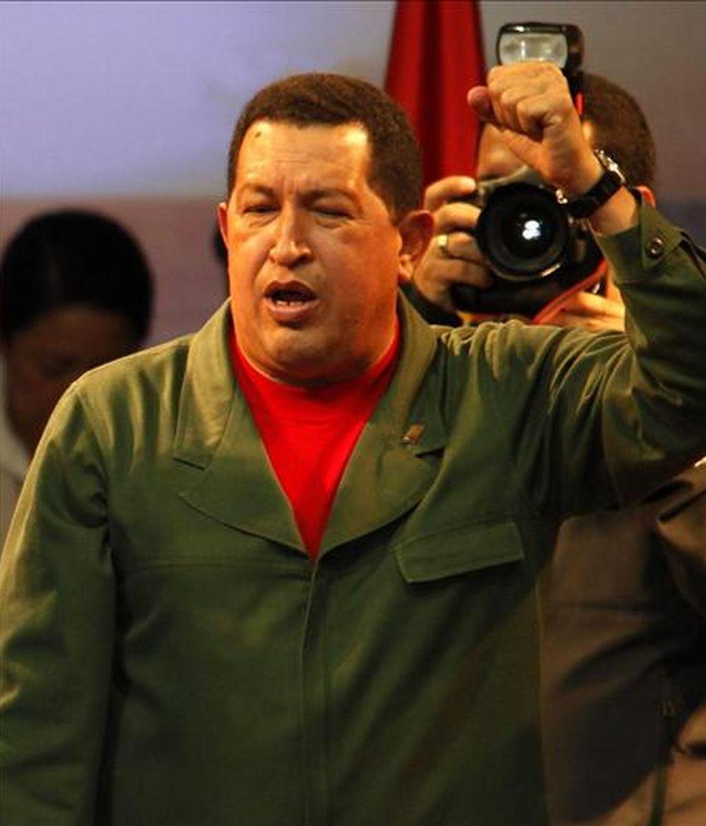 """""""Y si con el nuevo presidente de Colombia yo tengo que reunirme y darle la mano, yo no tengo ningún problema. Si con el mismo diablo yo tuviera que reunirme (para mantener la paz entre los dos países), bueno..."""", declaró el mandatario venezolano. EFE/Archivo"""