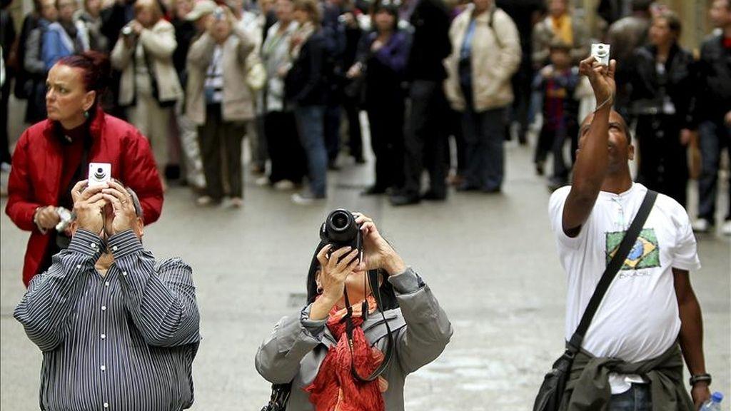 El gasto total que los turistas extranjeros hicieron en España en el primer trimestre del año ascendió a 8.410 millones de euros, un 2,4 % más que en el mismo período de 2010, según la encuesta de Gasto Turístico (EGATUR) difundida hoy por el Ministerio de Industria. EFE/Archivo