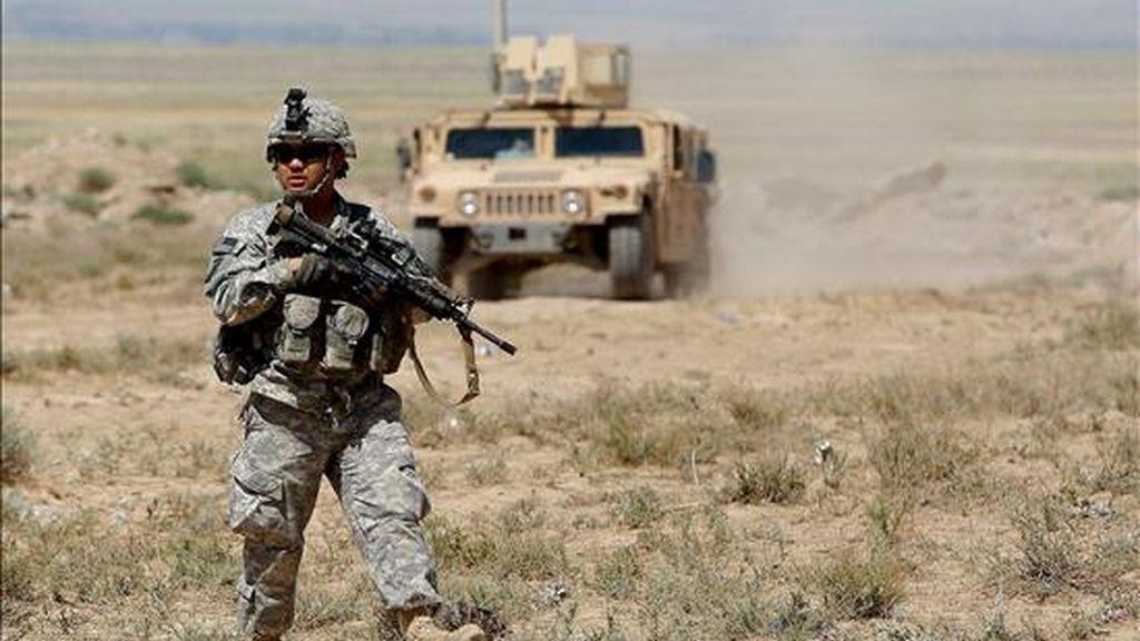 Un soldado estadounidense participa en un ejercicio de instrucción del Ejército afgano en la base Safari, a las afueras de Herat (Afganistán). EFE/Archivo