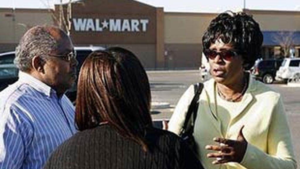 Wal Mart pidió disculpas después de que se pidiera por megafonía a las personas negras que abandonasen la tienda.