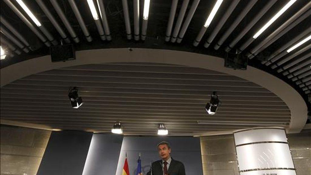 El presidente del Gobierno, José Luis Rodríguez Zapatero, durante la rueda de prensa que ofreció al término de la reunión del Consejo de Ministros. EFE