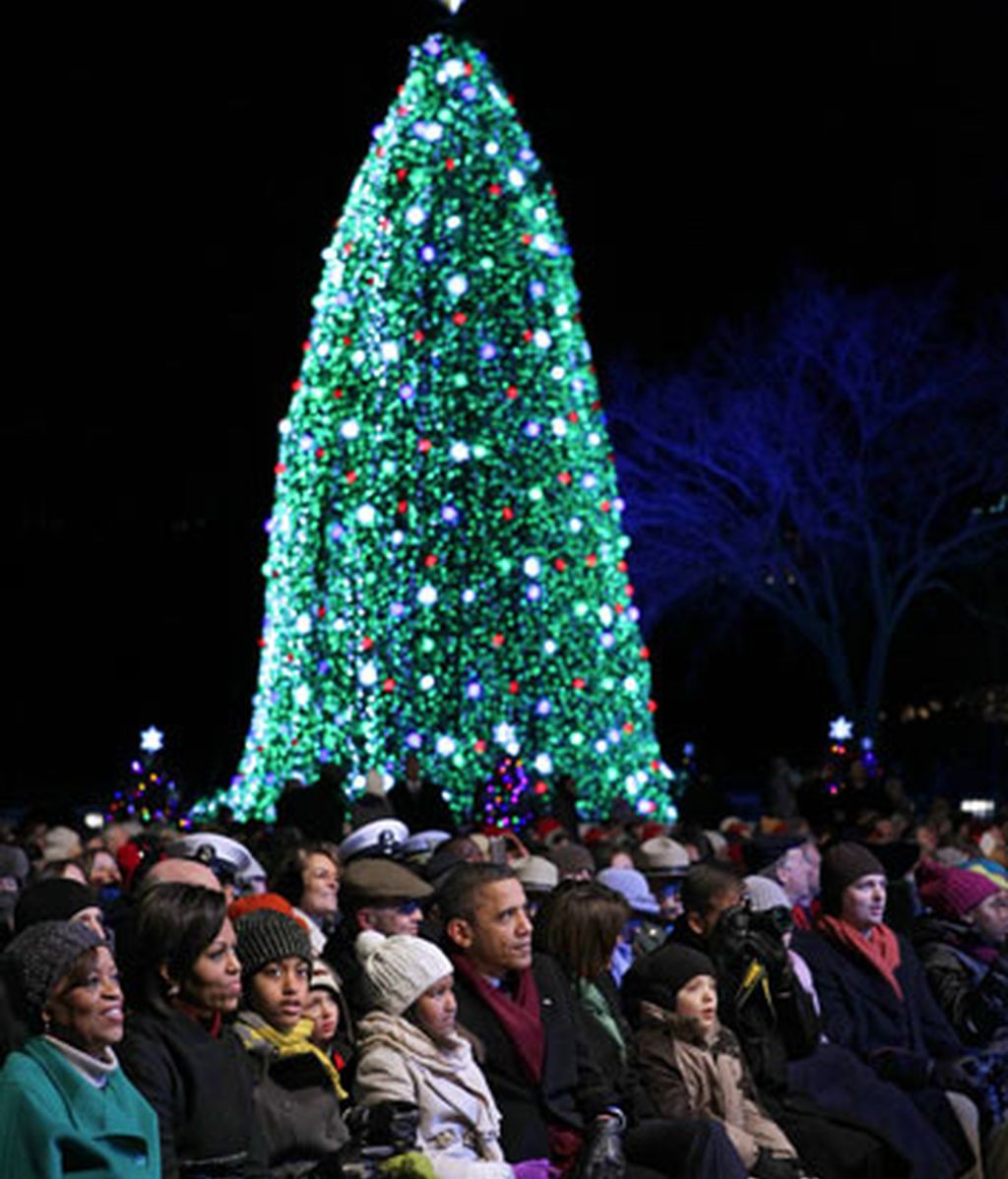 Los Obama dan luz a la Navidad