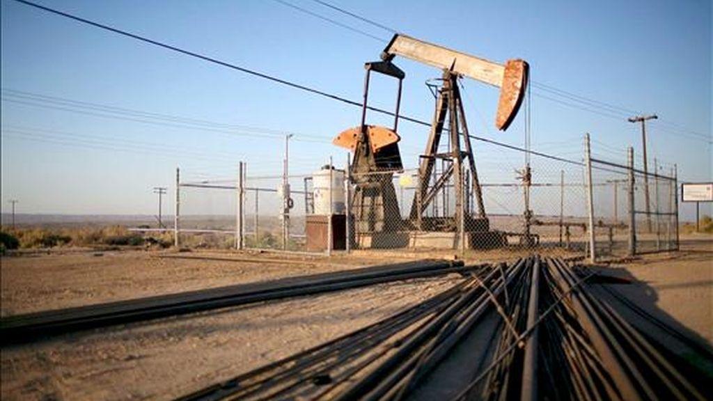 Otra noticia que contribuyó a afianzar la confianza e impulsar el precio del crudo fue la del repunte de la demanda de algunos productos en Estados Unidos. EFE/Archivo