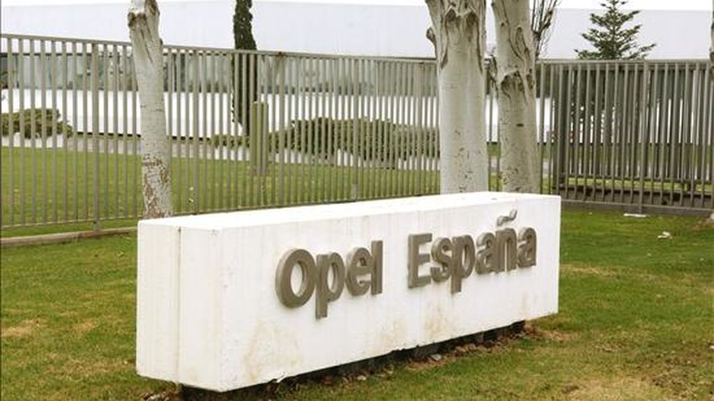 Entrada de la factoría de General Motors España en Figueruelas (Zaragoza). EFE/Archivo