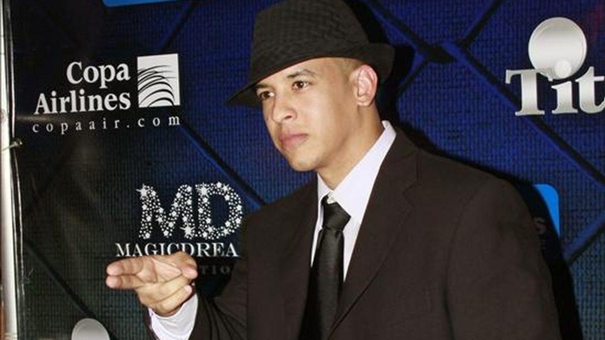 """El cantante puertorriqueño de reggaeton Daddy Yankee posa en Ciudad de Panamá al llegar al estreno de su película """"Talento de Barrio"""" EFE"""