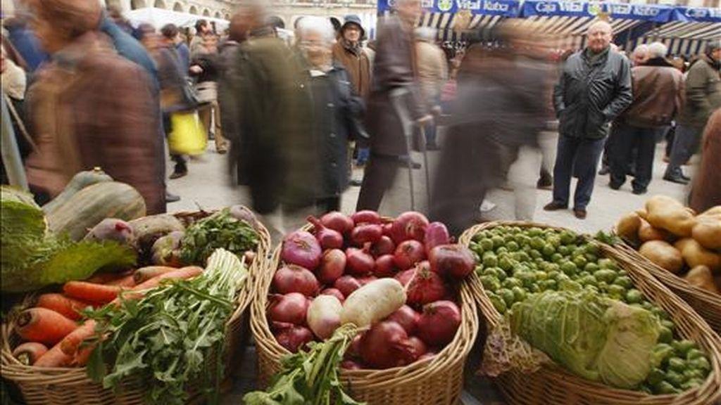 Hortalizas en un mercado al aire libre. EFE/Archivo