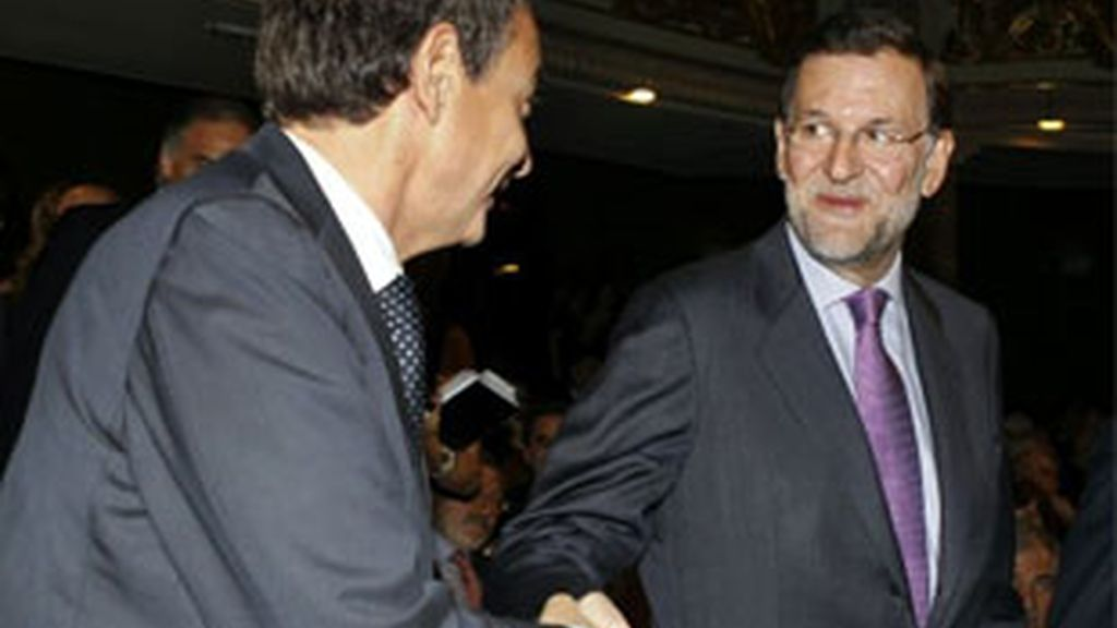 El PP quiere vislumbrar el triunfo para las generales y el PSOE busca sorprender el 22M. FOTO: EFE