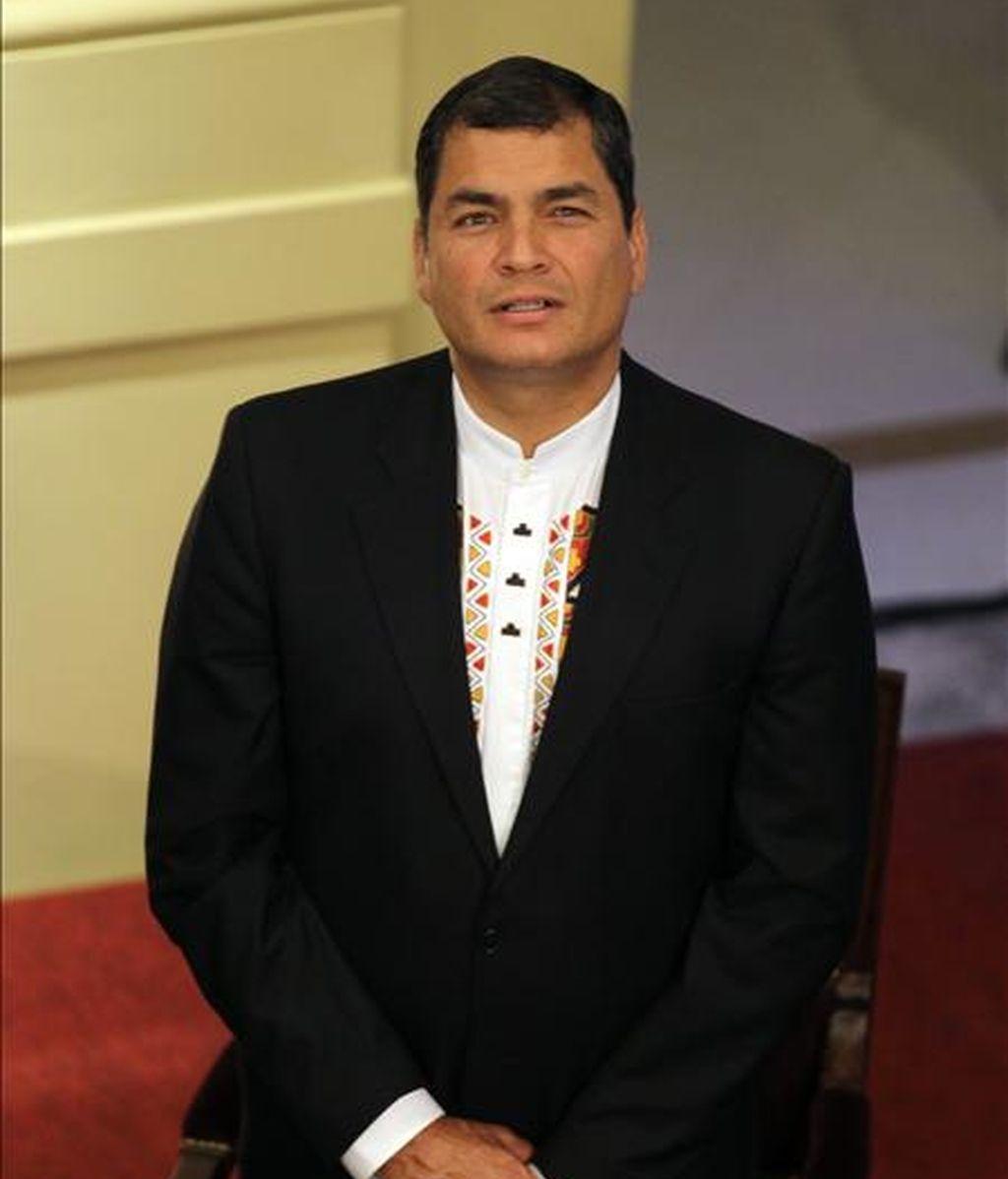 El presidente de Ecuador, Rafael Correa, dijo que aún faltan algunos ajustes en su agenda para ver la posibilidad de asistir a la investidura de Santos, el próximo 7 de agosto. EFE/Archivo