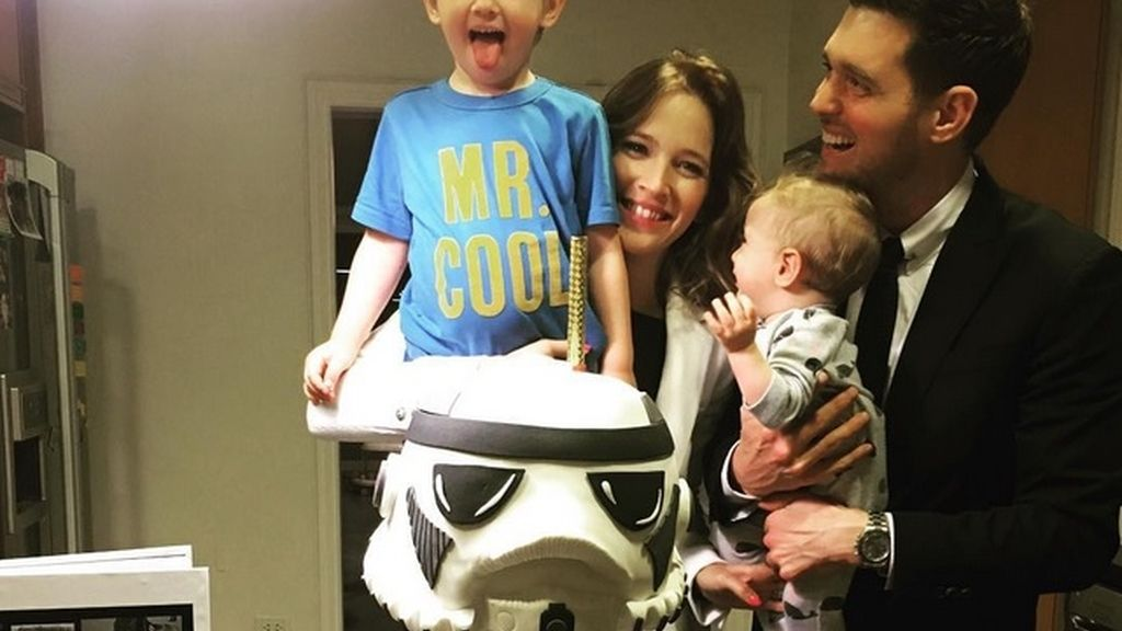 Michael Bublé confirma devastado que su hijo Noah, de tres años, tiene cáncer