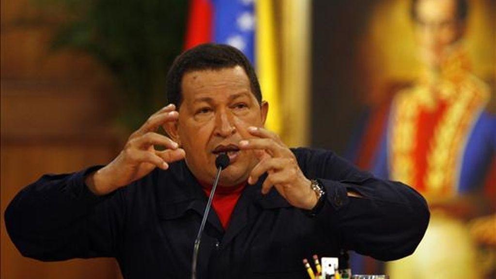 """El presidente venezolano, Hugo Chávez, declaró: """"Anuncio que estaremos el 26 de julio en la Cuba revolucionaria, en ese gran día que es el aniversario del asalto al cuartel Moncada, con Raúl, con Fidel, con el pueblo cubano"""". EFE/Archivo"""