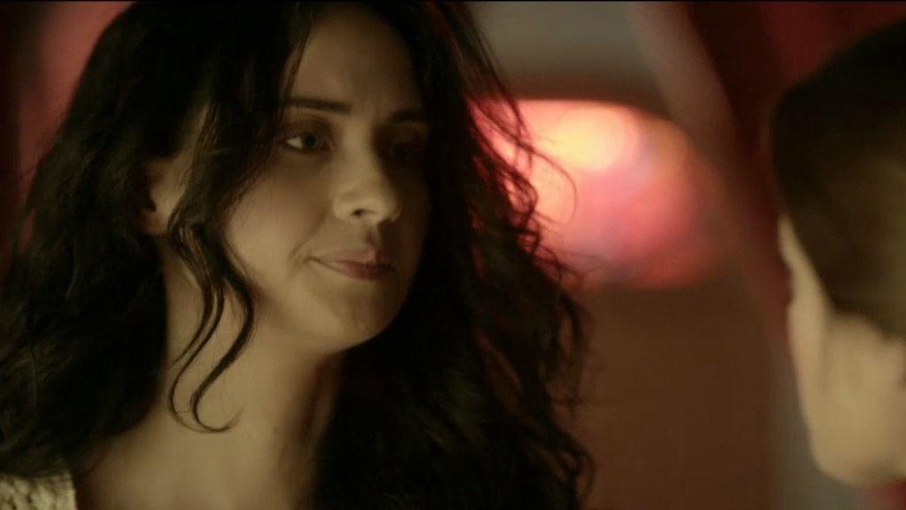 Isabel le salva la vida a Cristina