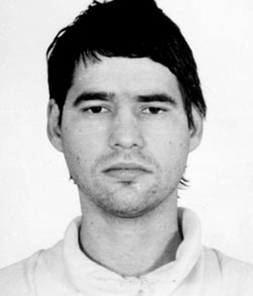 Fotografía de archivo (años ochenta, sin fecha) del etarra Antonio Troitiño, condenado a más de 2.200 años de prisión por más de veinte asesinatos en los años 80. Foto: EFE.