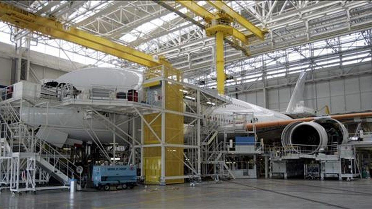 El valor total del contrato es de 338 millones de dólares y la entrega de los ocho aviones se efectuará en el primer semestre de 2012, según un comunicado de la compañía brasileña. EFE/Archivo