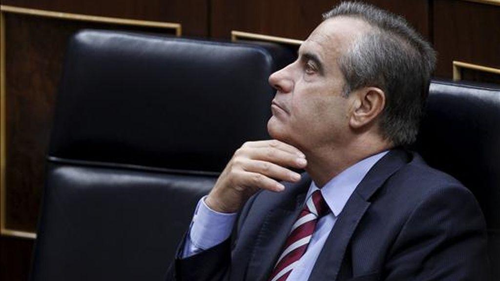 El ministro de Trabajo, Celestino Corbacho, durante un pleno celebrado en el Congreso de los Diputados. EFE/Archivo