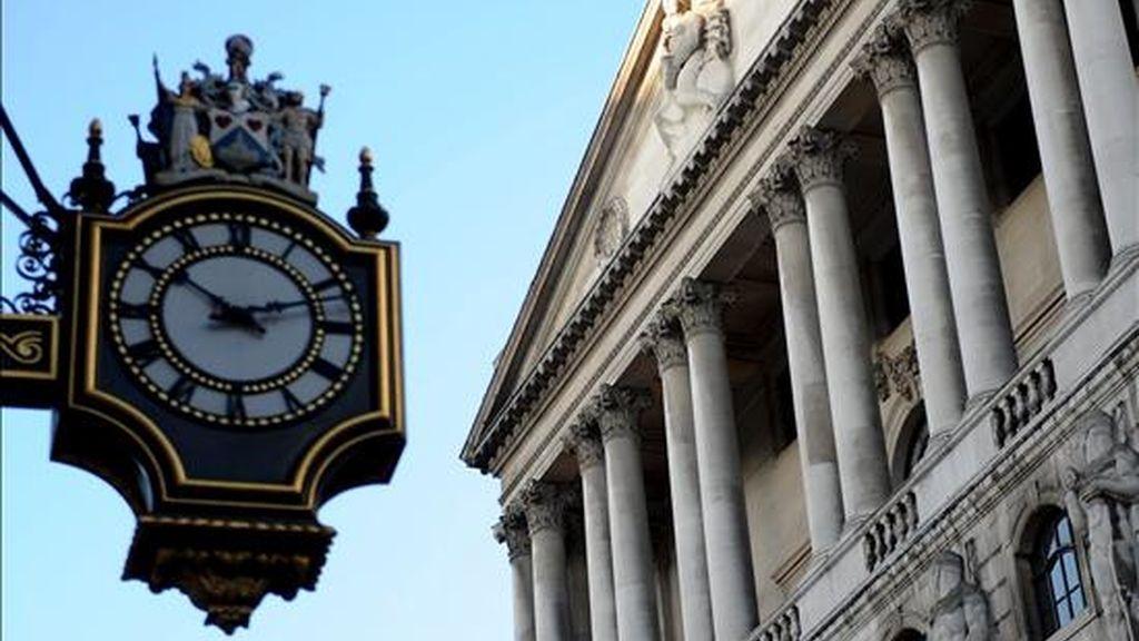 Vista de la fachada del Banco de Inglaterra, en Londres. EFE/Archivo