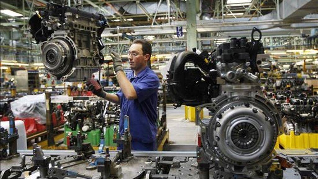 Aspecto de una cadena de montaje de la factoria de Ford en Almussafes. EFE/Archivo