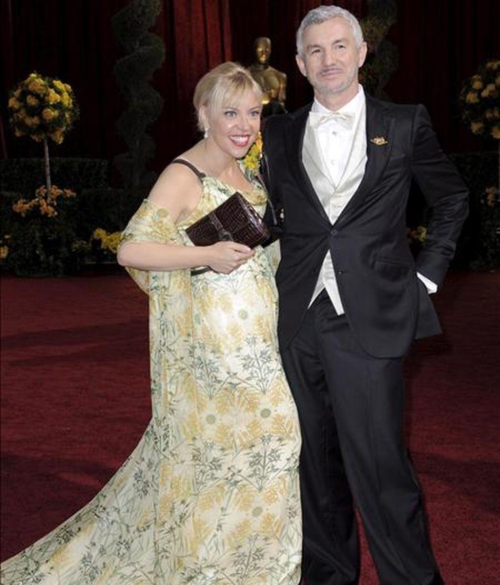 El director australiano Baz Luhrmann y su esposa Catherine Martin posan sobre la alfombra roja en la edición 81 de los Premios Óscar de la Academia de Hollywood, que se lleva a cabo en el teatro Kodak de Hollywood, California (EEUU). EFE/Archivo