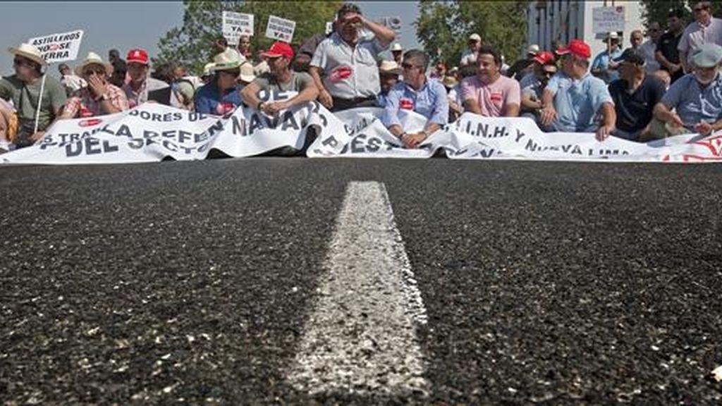 Trabajadores de Astilleros de Huelva y Sevilla durante una manifestación. EFE/Archivo